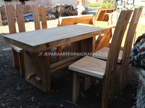 Jual Project Set Meja Makan Bapak Hengtono Semarang
