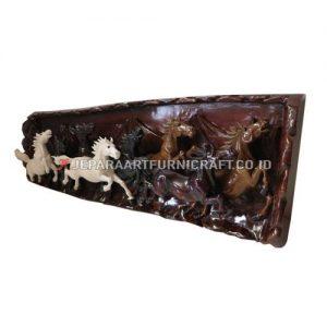 Jual Relief Kayu Trembesi Solid Kuda Berkualitas